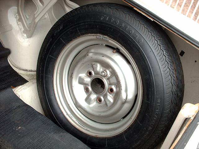 pneus pirelli fusca